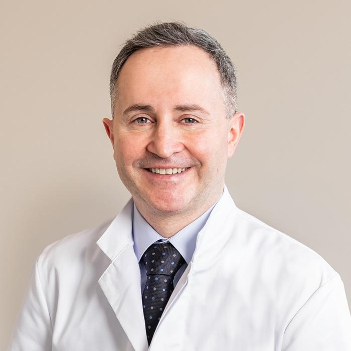 Dr. Med. Arif Altinay